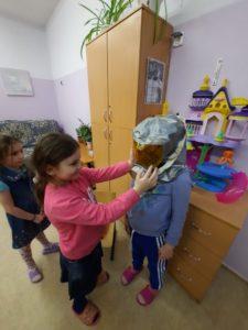 А мы продолжаем проводить познавательные занятия для своих воспитанников. 🔅«Правила безопасности и поведения при пожаре» 🔅Изодеятельность «Весна глазами ребёнка»