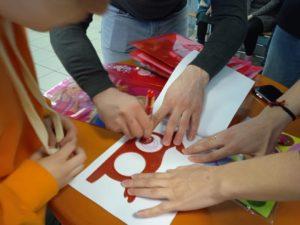 На выходные нас посетила инициативная группа «Творцы @happy_childhood_16 , которые организовали общественный проект «Счастливое детство» Цель этого проекта - создать арт-объект на торце дома, взяв за основу рисунок ребенка в возрасте 10-17 лет из детских домов и приютов. Рисунок, с наибольшим количеством лайков в инстаграм, будет перенесен на торец дома. Мы с нашими воспитанниками решили учавствовать в этом проекте, нарисовали рисунки и будем ждать результатов) Следите за нами, нам нужна будет ваша поддержка....