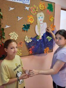 А также воспитанники Центра украсили свои осенние уголки, оформили стенд и прослушали тематические занятия🍁🍃🍂